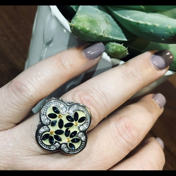 Jewelry - Yellow and blue ring